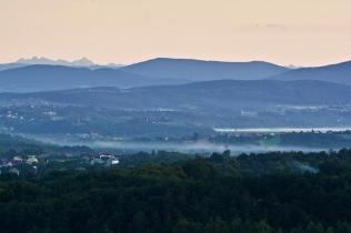 Widok na Beskidy i Tatry z Pogórza Wielickiego