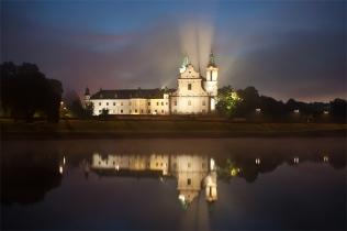 Kościół na Skałce w porannej mgle