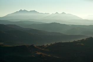 Widok na Tatry z Wysokiego Wierchu