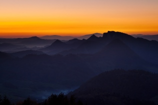 Pieniny o zachodzie słońca