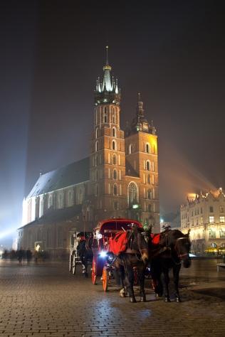 Rynek w Krakowie nocą