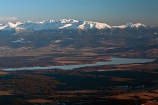 Tatry zachodnie ponad kotliną Orawską