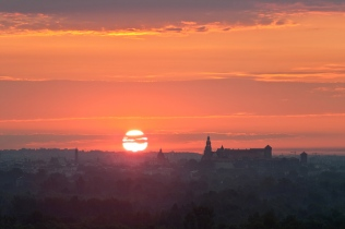 Wschód słońca nad Krakowem